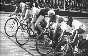 Women-Bike-Racers